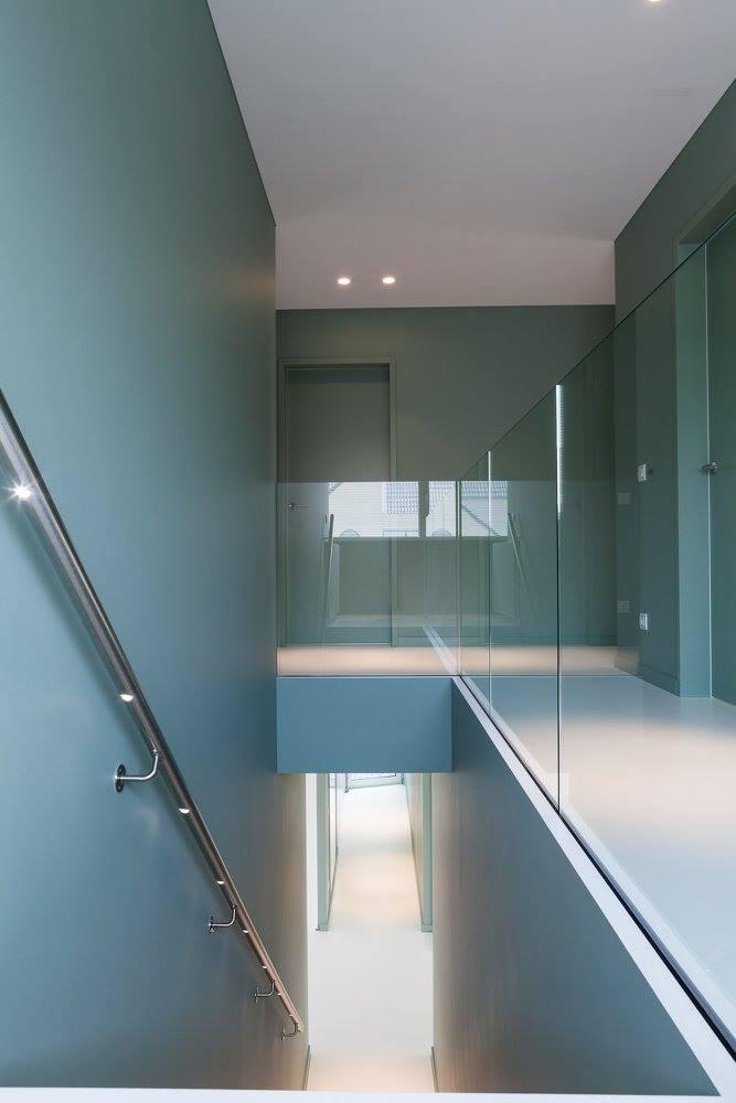 Glazen balustrade in gehard glas.
