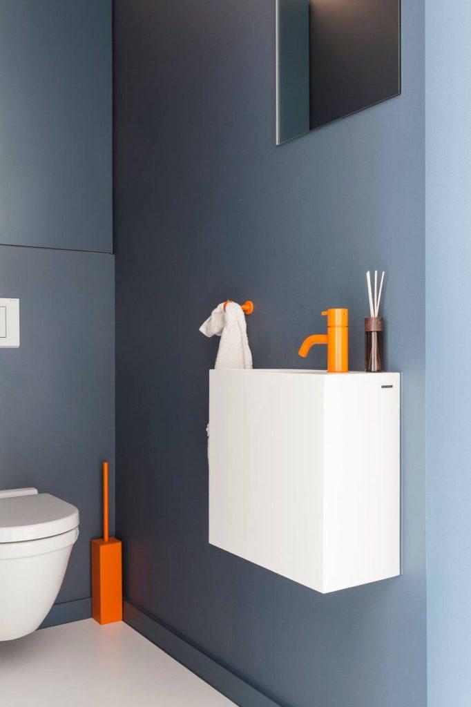 Toilet: spiegels op maat.