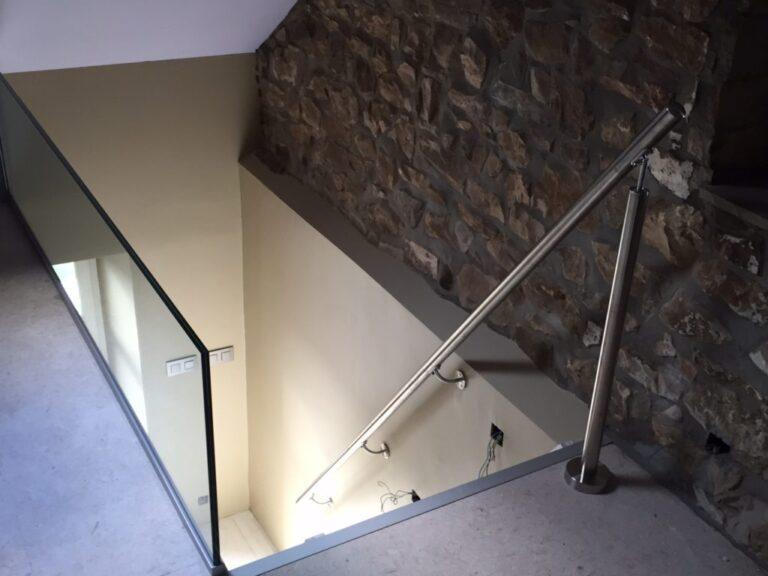Glazen balustrades in gehard glas.