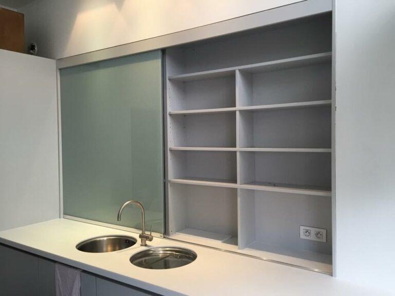 Keuken: Glazen kastdeuren